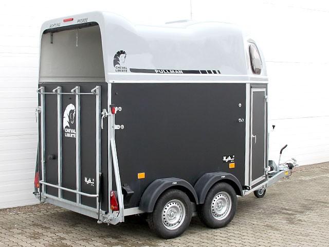 gold classic pullman alu boden sattelkammer cheval. Black Bedroom Furniture Sets. Home Design Ideas