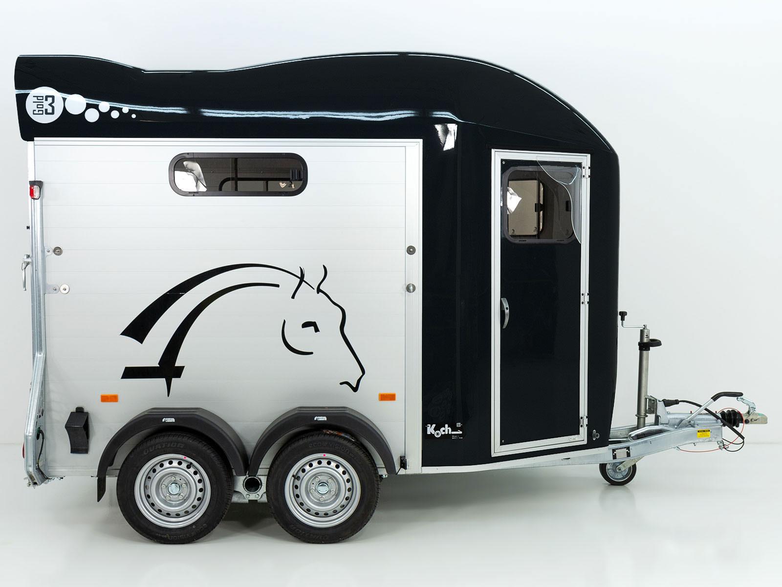 gold 3 alu pullman 2 sattelkammer schwarz cheval. Black Bedroom Furniture Sets. Home Design Ideas