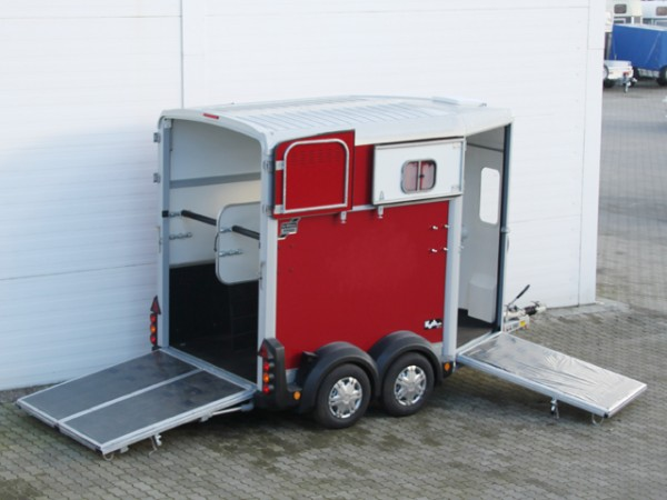 Pferdeanhänger HB506 mit Frontausstieg Klappenkombi, rot